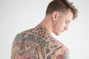 Machine Gun Kelly – Merry Go Round